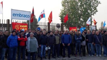 EX EMBRACO - Nuova manifestazione degli operai davanti il tribunale di Torino