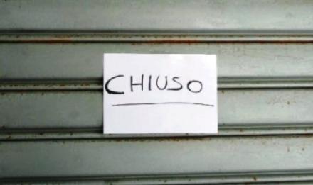 VIRUS - Lotta ai furbetti di Pasquetta: chiusi tutti i negozi