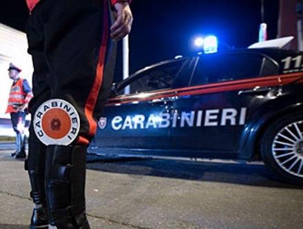 TROFARELLO - Litiga con la compagna poi picchia i carabinieri: arrestato
