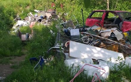 LA LOGGIA - Tre nomadi denunciati per sversamento di rifiuti e inquinamento