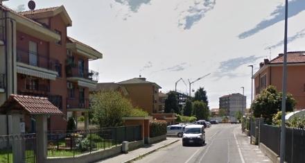 MONCALIERI - Scorda le chiavi e tenta di entrare in casa scavalcando: scambiato per ladro finisce in ospedale