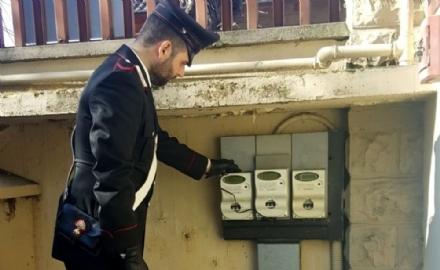 MONCALIERI - Ruba lenergia elettrica del vicino: arrestato