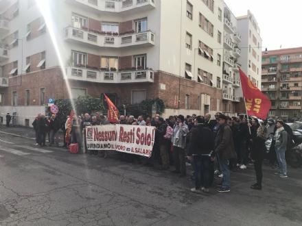 MONCALIERI - I lavoratori Alpitel in presidio a Roma, sotto il ministero