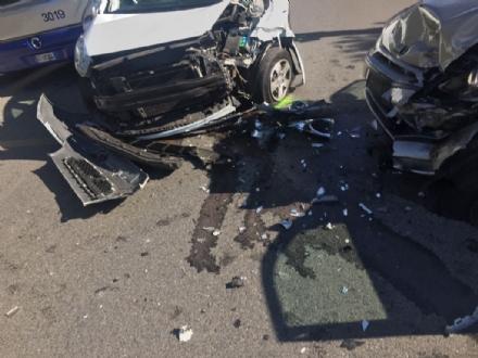 MONCALIERI - Grave incidente in strada Torino, due suore in ospedale - LE FOTO -
