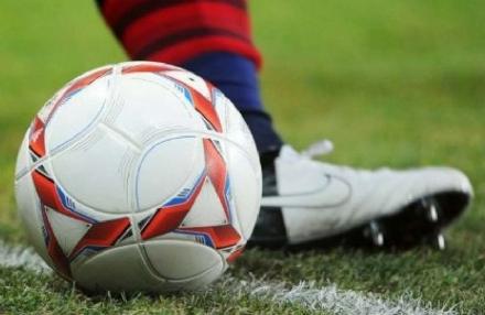 CALCIO - Arbitro di Nichelino colpito da un giocatore di Prima categoria: maxi squalifica di due anni
