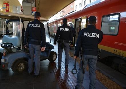 CARMAGNOLA - Fermata la gang che rapinava sui treni per il cuneese: 4 arresti