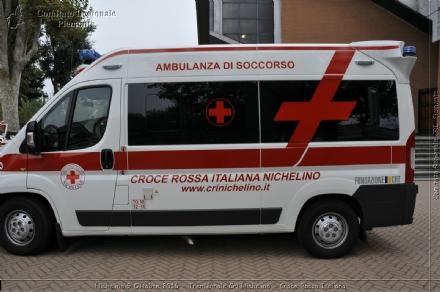 NICHELINO - Tenta di buttarsi giù nel Sangone, salvato da due passanti