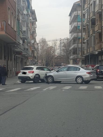 NICHELINO - Due giorni di incidenti in città: feriti e caos sulle strade