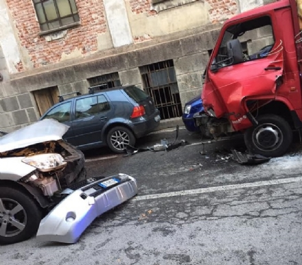 CARIGNANO - Incidente in via Umberto I: un uomo grave in ospedale