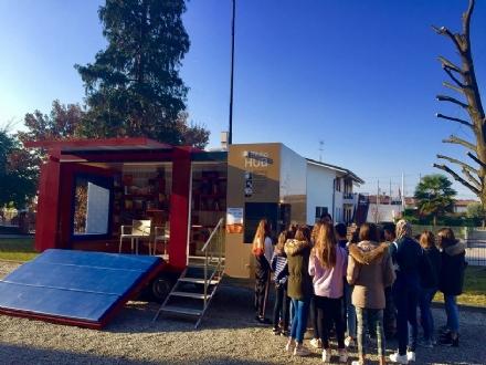 ORBASSANO - Arriva il «BiblioHUB», una vera e propria biblioteca su ruote