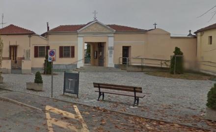 ORBASSANO - La denuncia del sindaco: «Escrementi sulla mia tomba di famiglia per dispetto».