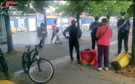 CINTURA - Controlli dei carabinieri sulle condizioni di lavoro dei riders del cibo a domicilio