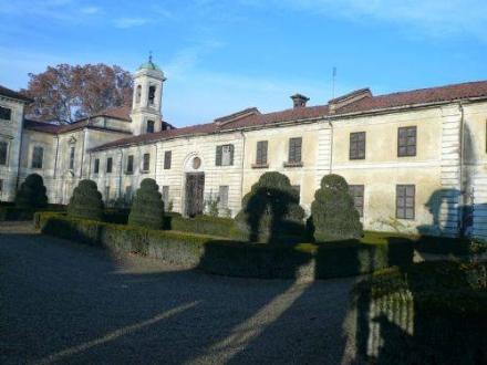 LA LOGGIA - Fotografi curiosi a Villa Carpeneto: intervento dei carabinieri