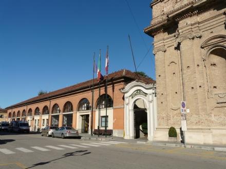 CARMAGNOLA - Il premio del Delfino di Platino allospedale San Lorenzo per la lotta al covid