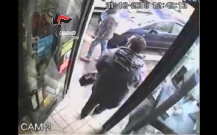 CARMAGNOLA - Rapina la banca ma viene arrestato dai carabinieri