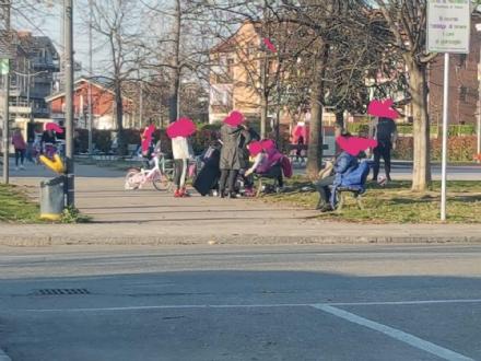 CORONAVIRUS  - Giardini pieni, gruppi di ragazzi: ancora tanti non rispettano il decreto