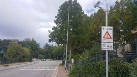 MONCALIERI - Seimila multe al mese dal semaforo intelligente: i verbali da settembre