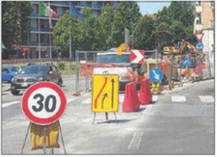 MONCALIERI - Estate di cantieri: via Cavour spezzata in due fino ad agosto
