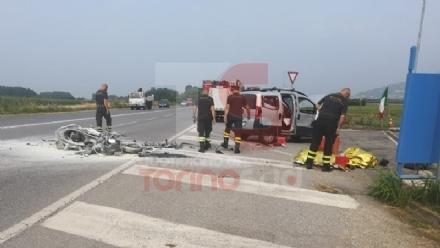 INCIDENTE MORTALE A PIOSSASCO - Motociclista perde la vita nello scontro con un furgone - FOTO