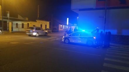 NICHELINO - Paura per un pedone investito in via Falcone e Borsellino