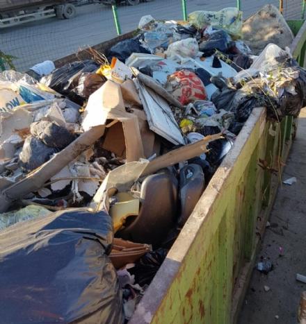 CARMAGNOLA - Abbandoni di rifiuti, 40 multe da gennaio. Una carrozzeria sanzionata per 10mila euro.