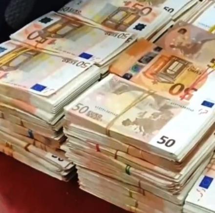 NICHELINO - Il Comune predispone contributi a fondo perduto per i negozi