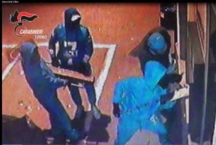 RIVALTA - Sgominata banda specializzata in assalti ai bancomat: colpi a Piossasco e Trofarello