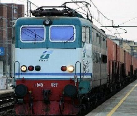 TRASPORTI - Si guasta un locomotore sulla Torino-Pinerolo, due treni cancellati