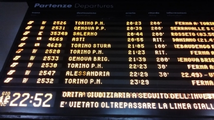 TRASPORTI - Serata di passione sulla ferrovia Torino-Villanova: oltre tre ore di ritardo per un suicidio