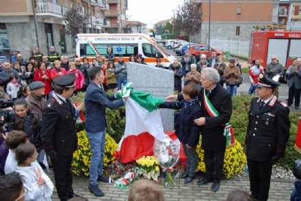 RIVALTA - Una stele per ricordare Andrea Filippa, nellanniversario della strage di Nassiriya