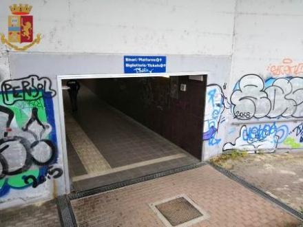 TROFARELLO - Chiude di notte il sottopasso della stazione su richiesta della polizia ferroviaria