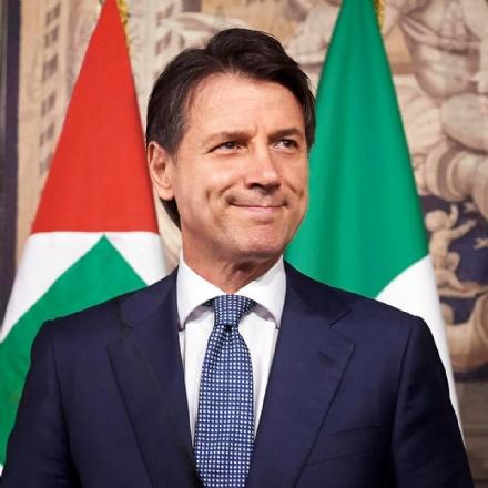 MONCALIERI - Cinque cittadini denunciano il premier Conte per vilipendio
