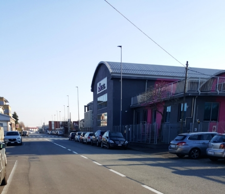 NICHELINO - Spaccata col tombino alla Movitec, ma i ladri portano via solo 200 euro