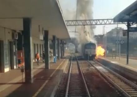 TRASPORTI - Si incendia un locomotore merci, caos sui treni da Moncalieri per Asti