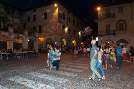 CARMAGNOLA - Scatta la Notte dei Saldi a Carmagnola. Negozi aperti e attrazioni per i bambini
