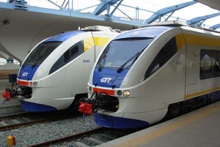 FERROVIA SFM1 - Ancora guasti sulla linea: due treni cancellati e pendolari a piedi