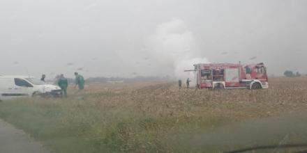 CARMAGNOLA - Guasto al motore: a fuoco trattore in via Ceresole