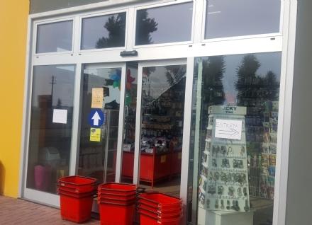 CARMAGNOLA - Supermercato nel mirino dei ladri per....un paio di calzini