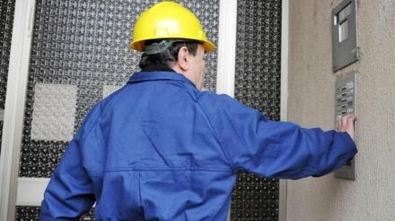 NICHELINO - Il falso tecnico del gas deruba lanziano in casa: bottino da 10 mila euro