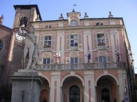MONCALIERI - Opere di ripristino post alluvione, tocca alla sponda in zona Borgo Mercato