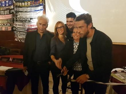 NICHELINO - Claudio Marchisio inaugura lo Juventus Club di via Buffa, bagno di folla - LE FOTO -