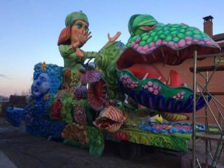 MONCALIERI - La sfilata dei carri di carnevale sarà piena di divieti