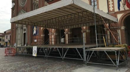 ORBASSANO - Ci sono le majorettes, il sindaco vieta lutilizzo del palco per il comizio di Salvini