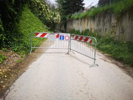 TROFARELLO - Frana su via San Pietro, chiusa la strada