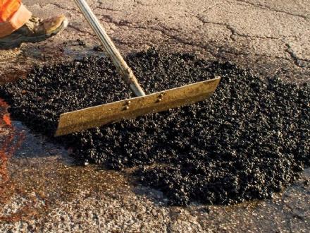 MONCALIERI - Le asfalto il piazzale a poco prezzo, ma era un raggiro