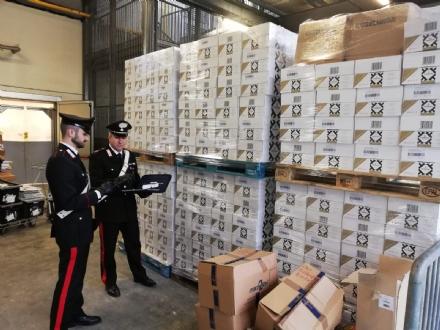 RIVALTA - Rubano 300 bottiglie di spumante Ferrari allEsselunga: presi dai carabinieri