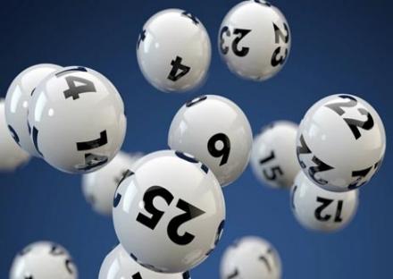 MONCALIERI - La Dea bendata bacia un giocatore del Lotto: vinti 50 mila euro
