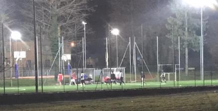 RIVALTA - Il campetto da calcio piace: manomessi i quadri elettrici per allungare il tempo delle luci