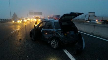 LA LOGGIA - Maxi incidente in tangenziale: tre feriti e sei veicoli coinvolti - LE FOTO -