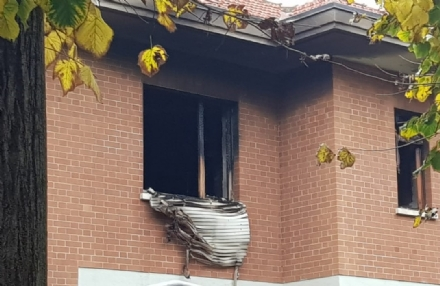 MONCALIERI - Incendio in un appartamento di Testona, causato da una candela